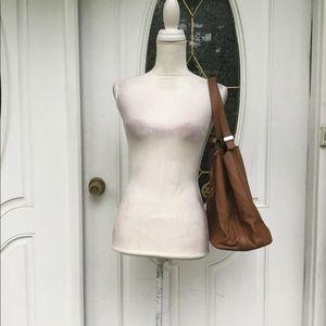 E5) woman's brand new Michael Kors shoulder bag